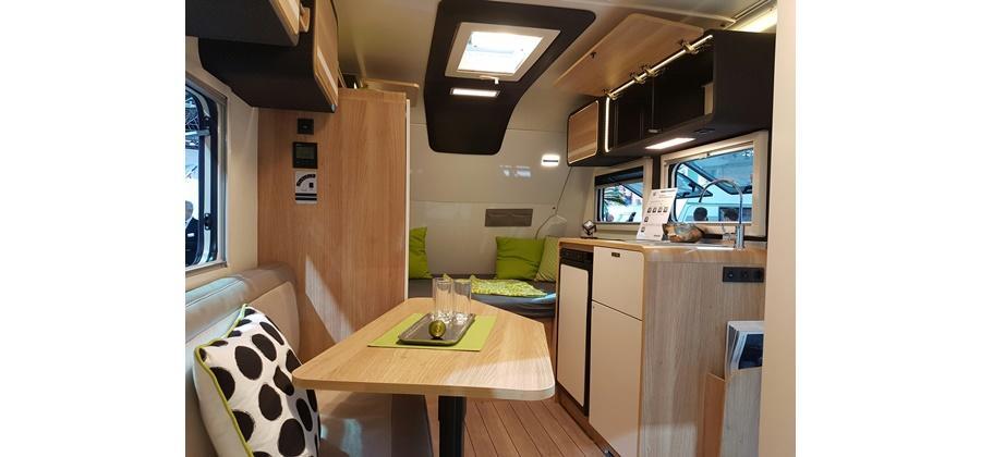 wohnwagen knaus travelino g nstig mieten. Black Bedroom Furniture Sets. Home Design Ideas